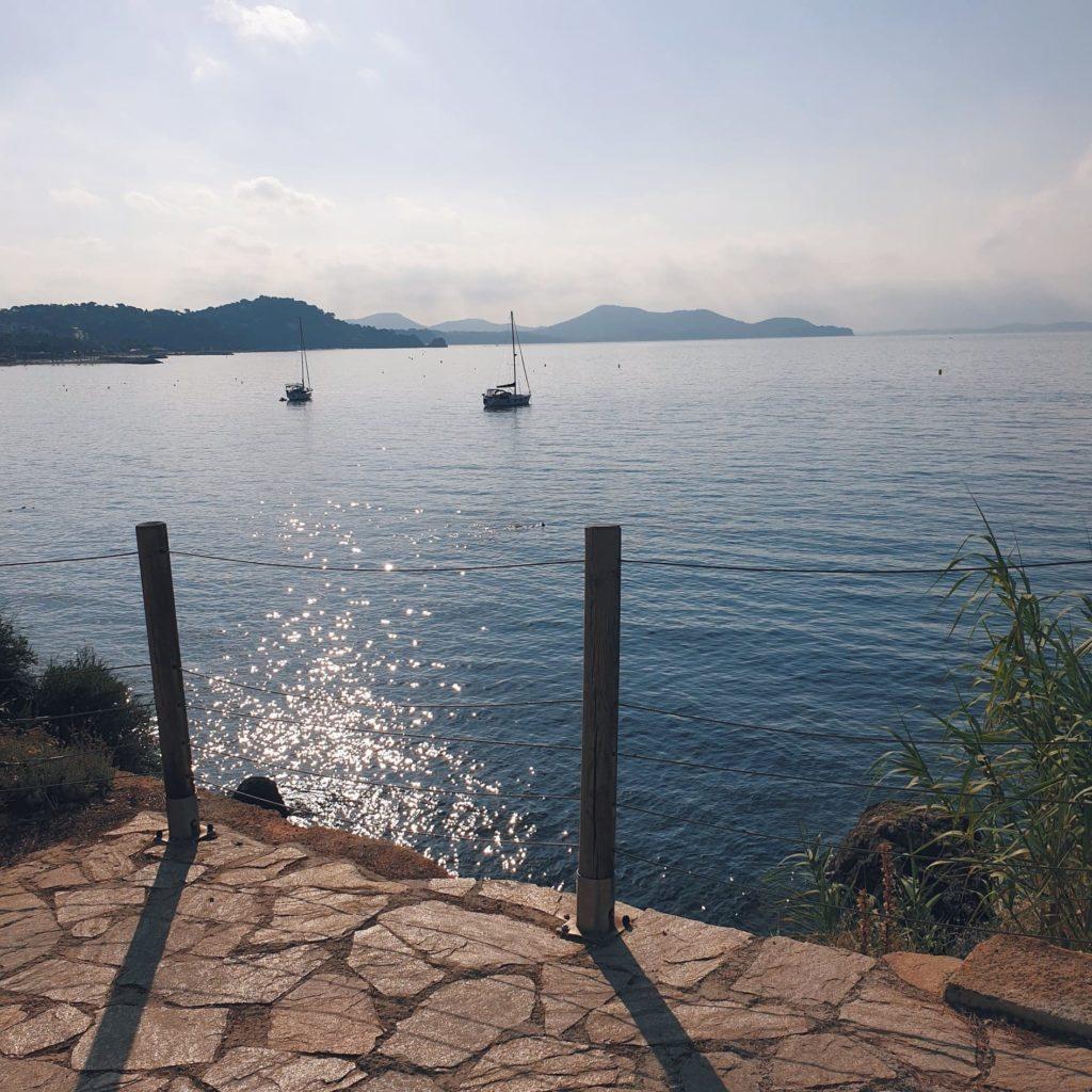 Cap sur la mer Méditerranée