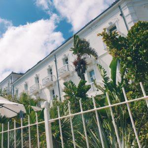 Vue sur le Grand Hôtel des Sablettes