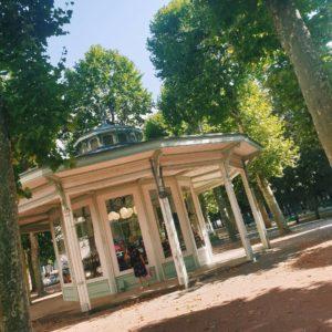 Kiosque près des galeries couvertes de Vichy